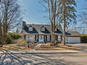 11141501 - Maison à étages à vendre