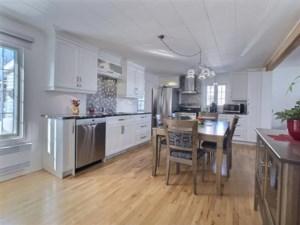 25361213 - Maison à étages à vendre
