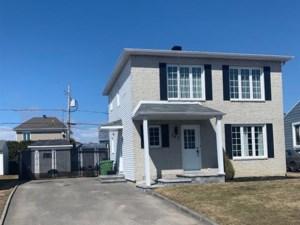 24412635 - Maison à étages à vendre