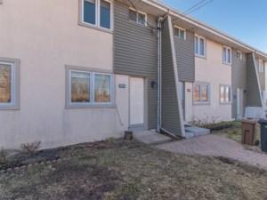 21286300 - Maison à étages à vendre