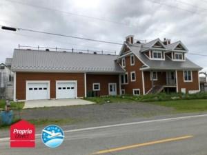 23798195 - Maison à étages à vendre