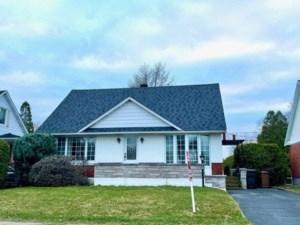 12678297 - Maison à étages à vendre