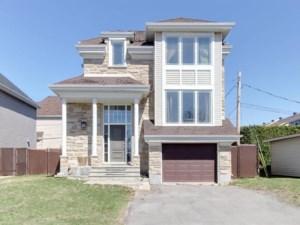 26948022 - Maison à étages à vendre