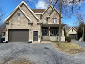 18259645 - Maison à étages à vendre