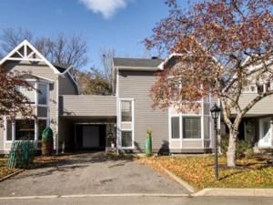 26627687 - Maison à étages à vendre