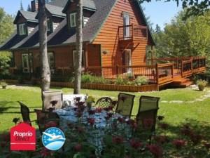 12049315 - Maison à étages à vendre