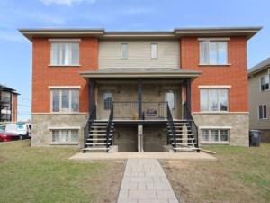 12224854 - Maison à étages à vendre
