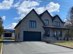 13924337 - Maison à étages à vendre