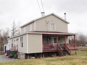 21718287 - Maison à étages à vendre
