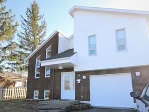 27909157 - Maison à paliers à vendre
