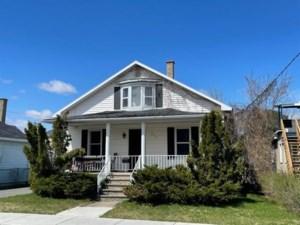 17191037 - Maison à étages à vendre
