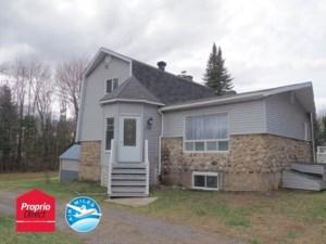 27895725 - Maison à étages à vendre