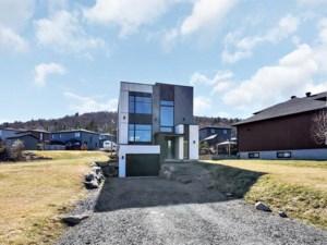 28115115 - Maison à étages à vendre