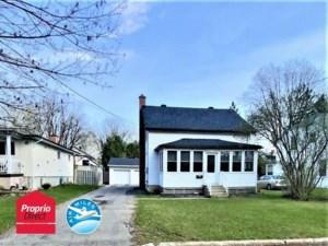 18260936 - Maison à étages à vendre