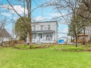 13211029 - Maison à étages à vendre