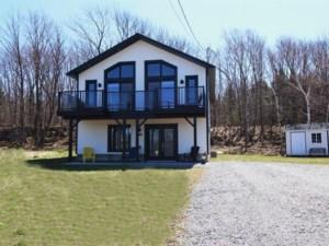 17948704 - Maison à étages à vendre