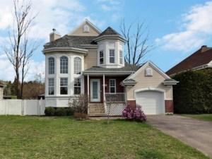 26448820 - Maison à étages à vendre