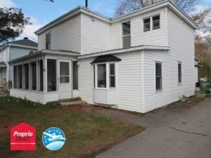 25392365 - Maison à étages à vendre