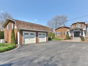 24423089 - Maison à étages à vendre