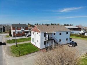 23361610 - Maison à étages à vendre