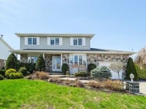 27916814 - Maison à étages à vendre