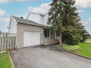 10223842 - Maison à étages à vendre