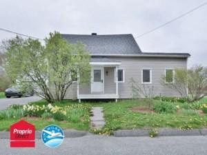 26421610 - Maison à étages à vendre
