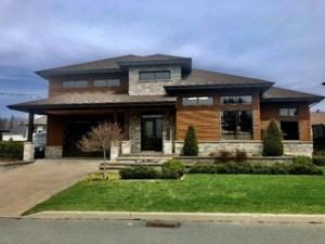 10701174 - Maison à étages à vendre