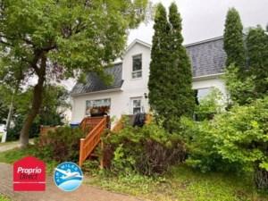 28137931 - Maison à étages à vendre