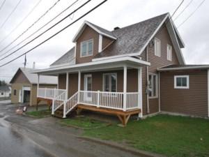 19348557 - Maison à étages à vendre