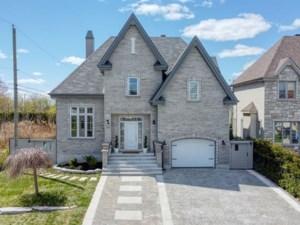 11077101 - Maison à étages à vendre