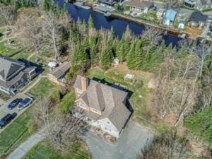 23725954 - Maison à étages à vendre