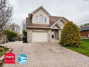 25066905 - Maison à étages à vendre