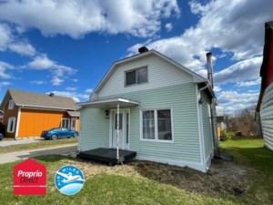 28970626 - Maison à étages à vendre