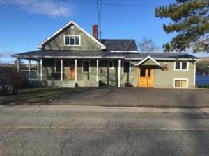 18163835 - Maison à étages à vendre