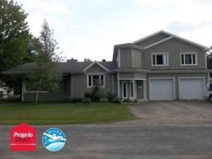 28695300 - Maison à étages à vendre