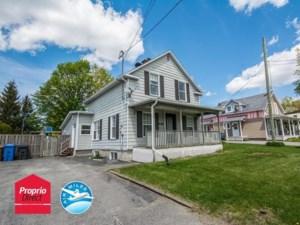 12431220 - Maison à étages à vendre
