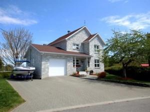 23735137 - Maison à étages à vendre
