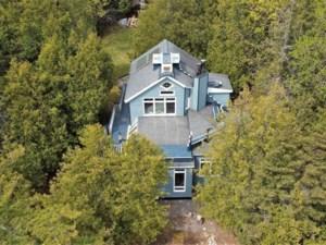 9316774 - Maison à étages à vendre
