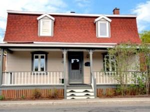 24366033 - Maison à étages à vendre