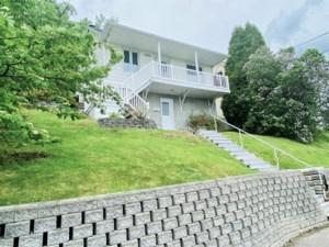 25778344 - Maison à étages à vendre