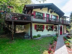 20284320 - Maison à étages à vendre