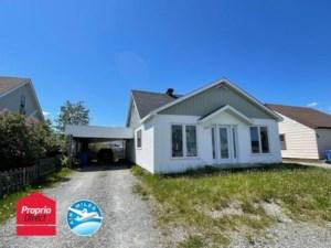 12114478 - Maison à étages à vendre