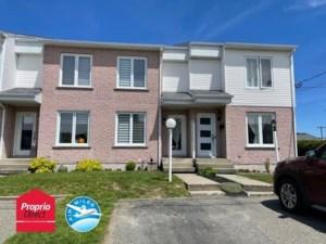 24796427 - Maison à étages à vendre