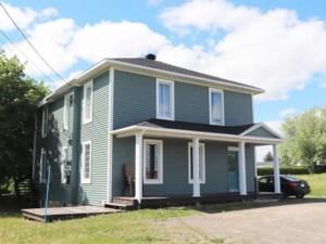 26690422 - Maison à étages à vendre