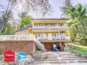 23956006 - Maison à étages à vendre