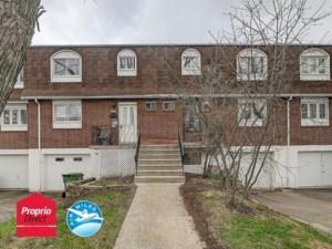25082811 - Maison à étages à vendre