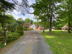 18364303 - Maison à étages à vendre