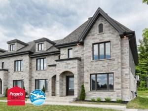 23774321 - Maison à étages à vendre