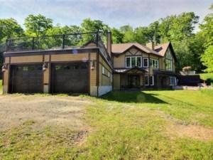 16829678 - Maison à étages à vendre